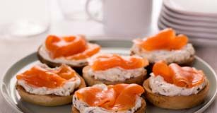 dill rice patties with smoked salmon & cucumber dressing